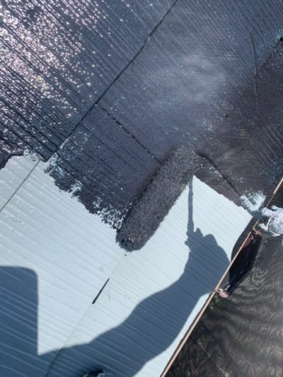 行田市屋根外壁塗装 中塗り
