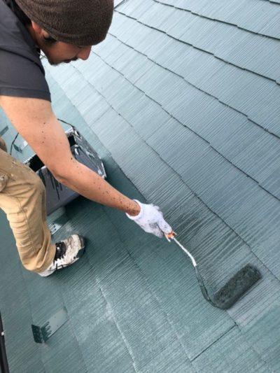 上尾市屋根塗装 上塗り