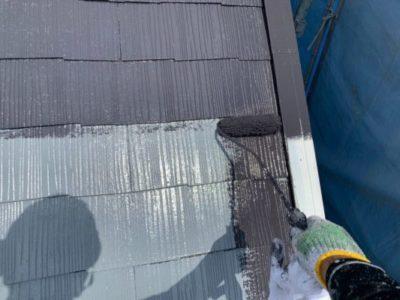 上尾市屋根外壁塗装 中塗り