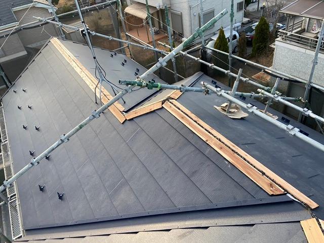 幸手市 屋根カバー工法 貫板設置完了