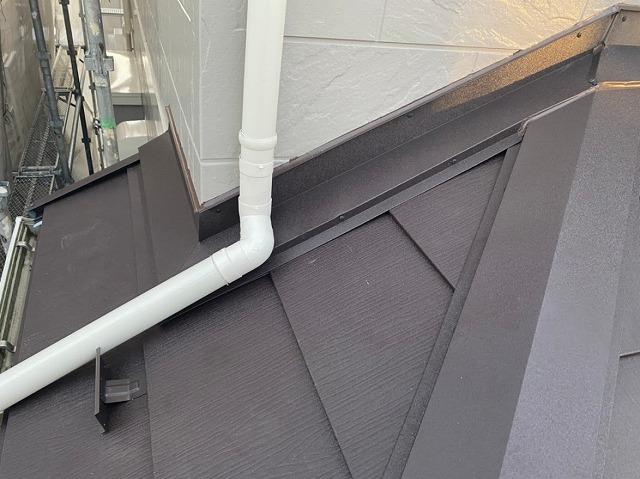 上尾市 屋根カバー工事 雪止め設置 雨押さえ設置