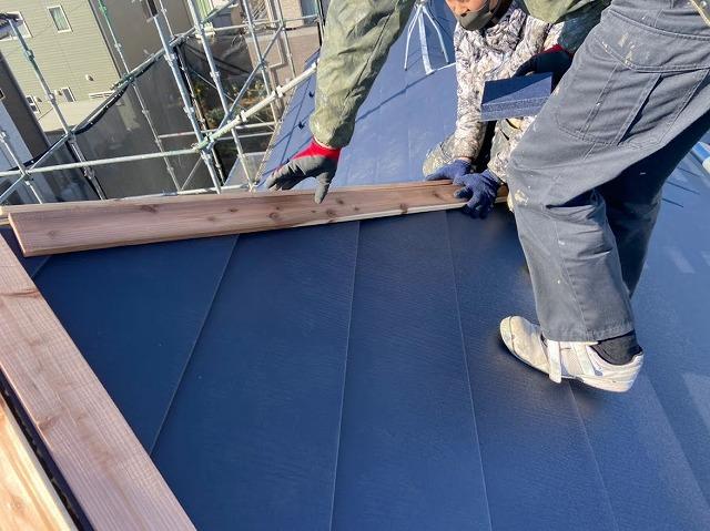 幸手市 屋根カバー工法 貫板設置