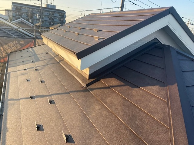 上尾市 屋根カバー工事 完成