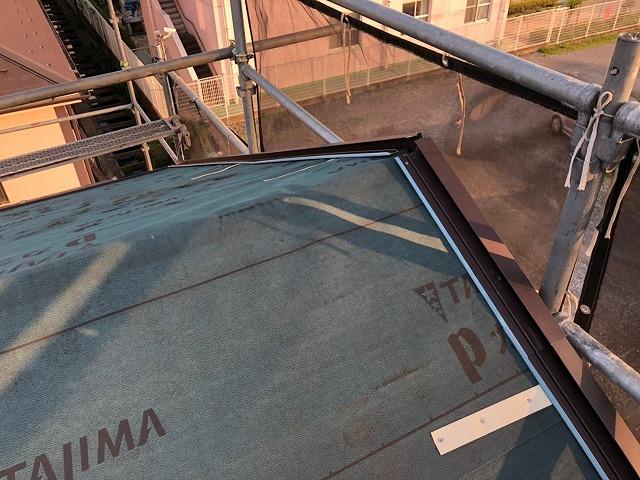 さいたま市桜区 屋根カバー工事 ケラバ板金設置